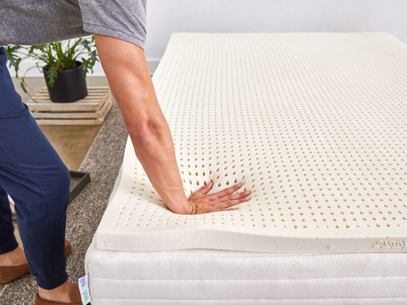 Best Mattress Topper for Hospital Bed 2020 - 10 Pads That Turn It Into a Cozy Bed 5